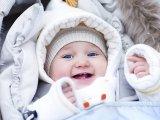 Újszülöttek, csecsemők és kisgyermekek sétáltatása télen - Mikor szabad levegőre vinni a babát? Gyermekorvos válaszol