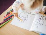 Finommotorika, kézügyesség fejlődése gyermekkorban - Mikor mit tud a gyerek? Hogyan fejlesszük otthon a bölcsődés-óvodás korú gyerekeket?