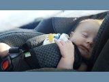 Kevesebb gyerek halna meg az utakon, ha a szülők szabályosan használnák a gyerekülést! Te tudod, mire kell odafigyelni?