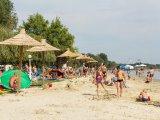 A 10 legjobb strand a Balatonnál 2017: családbarát strandok sok árnyékkal és játszótérrel, kisgyerekeseknek is!