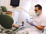 7 jel, hogy a gyereknek fogszabályozóra van szüksége! - Mikor elég a kivehető és mikor kell a rögzített fogszabályozó?