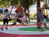 Fotók: Új mesejátszótér nyílt Budapesten! Kő Boldizsár ismét gyönyörűt alkotott a gyerekeknek