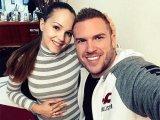 Gólyahír: Megszületett Kasza Tibi kislánya! Ezt lehet tudni a kis újszülöttről