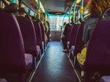 Nadrág nélkül, alsóneműben és egy szál pólóban szállt buszra egy 6 éves kisfiú Tatabányán - Ezért szökött el otthonról
