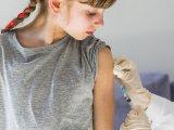 Ingyenes HPV elleni védőoltás 2019: szeptember 12-ig igényelheted a gyermekednek! - Kik kaphatják meg? Miért fontos?