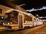 Fotó: Mézeskalács-villamos járja Miskolc utcáit! - A legkülönlegesebb villamosok az országban idén adventkor