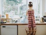 Házimunka gyerekeknek: 7 indok, hogy miért vond be a gyereket a házimunkába már pici korától!