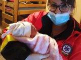 Telefonon segítettek világra egy kisbabát a mentők Zuglóban - Így született a kis Jázmin!