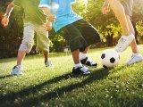Gyerekek ideális napja: Ennyi időt kellene mozgással és alvással tölteni, hogy egészségesen fejlődjenek a csontjai