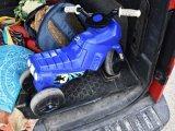 Autóbusz elé hajtott egy kétéves kisfiú a lábbal hajtós kismotorjával Győrben