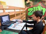 Ingyen internet a járványhelyzet alatt: Visszamenőleg is igényelhetik az ingyenes netet a diákok és a pedagógusok