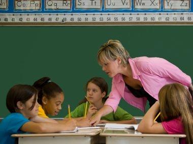 4464791f70 Versek pedagógusnapra óvodásoknak iskolásoknak - Szülők Lapja