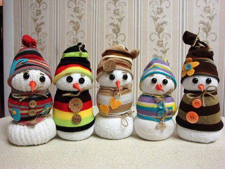 Készítsünk hóembert zokniból!