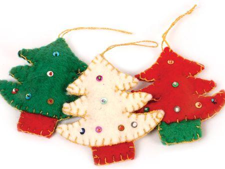 Kicsi karácsonyfák filcből