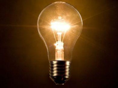 Tíz százalékkal csökken a gáz, a villany és a távhő ára