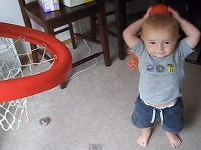Kétévesen profi kosaras