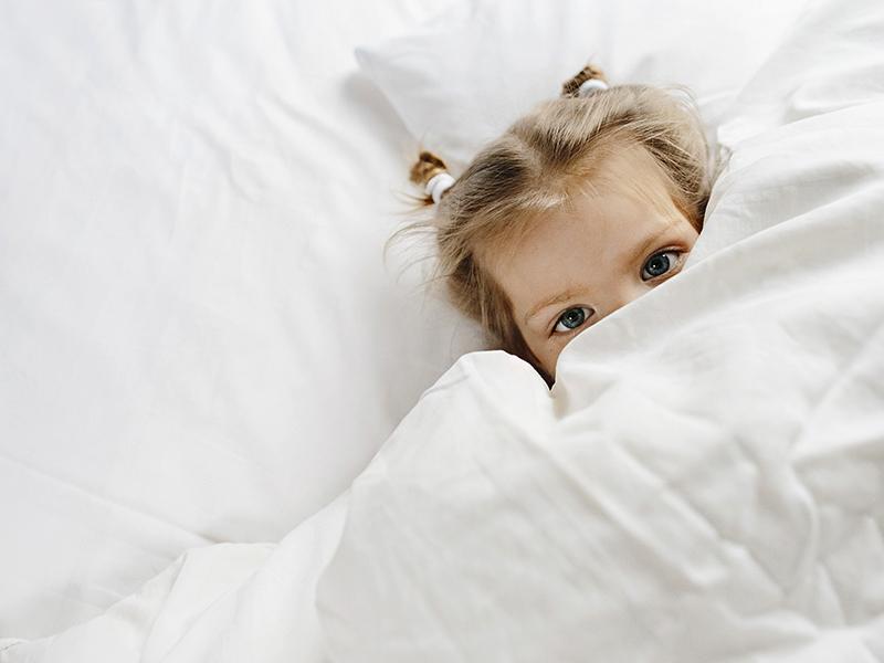 Anya, ne menj el! Félek egyedül! - Miért megy nehezen az elalvás a kisgyermeknek? Mit tehetsz szülőként?