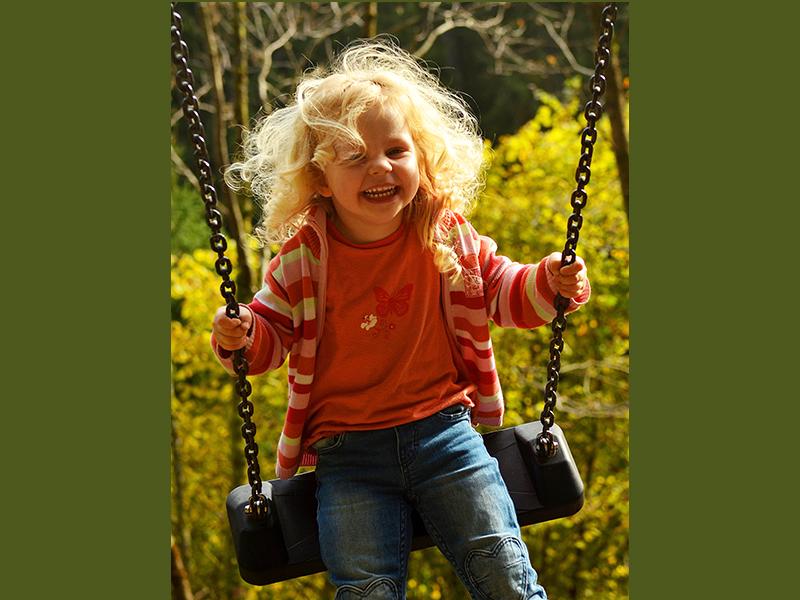 Így fejleszti a hintázás a babát, kisgyermeket! - 8 ok, amiért hasznos és jó játék a hinta