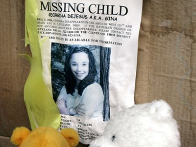 Megtalálták a 10 éve eltűnt lányokat