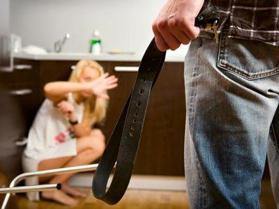Súlyosabb büntetés várhat a családon belül erőszakot elkövetőkre