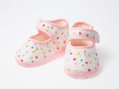 Vigyázat! Sok gyermekcipő eldeformálja a baba lábát!