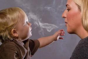 Ezért tilos a gyerek mellett dohányozni!