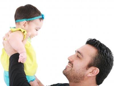A késői apaság előnyei és hátrányai