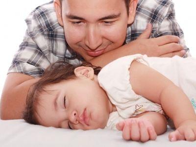 Mit élnek át a férfiak az apává válás során?