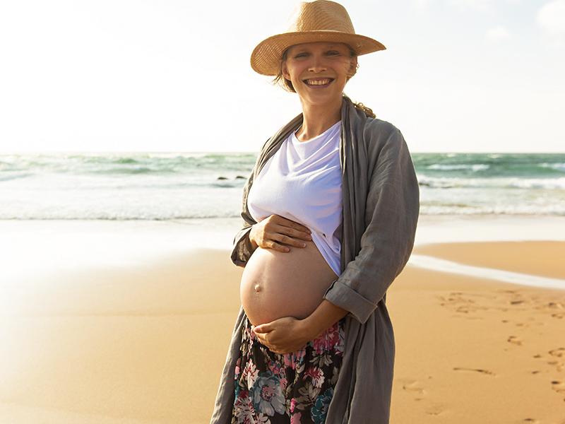 Hogyan szabad napozni babavárás alatt? Hogyan napoztassuk  a gyerekeket?