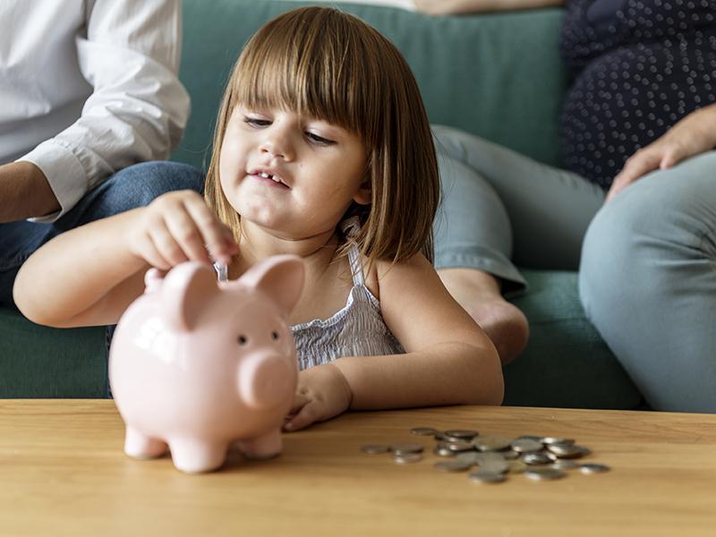 Zsebpénz: adjunk vagy ne adjunk a gyerekeknek?