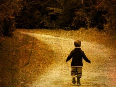 11 000 gyerek tűnik el évente! Mit tehetünk azért, hogy gyermekeinket ne tudják elcsalni, vagy ne legyen belőlük csellengő?