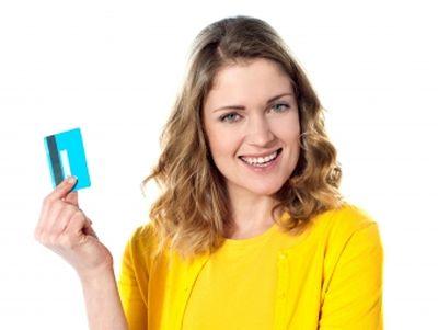 Bankkártya-adatokat csalnak ki a Facebookon