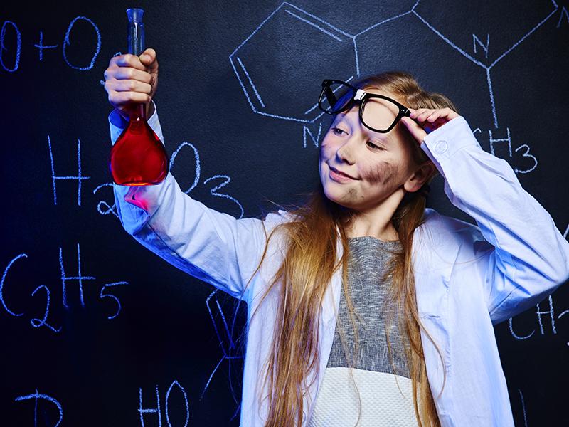 Mit okozunk a gyerekek lelkében a túl sok dicsérettel? Hogyan neveljünk életrevaló és sikeres gyerekeket?