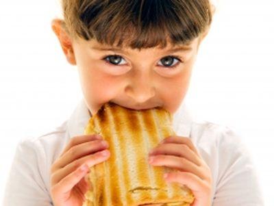 Szeptembertől napi háromszori ingyenes étkezés jár a bölcsődés és óvodás gyermekeknek