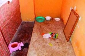 Fűtésnélküli spájzba zárva tartották a kislányt a szülei