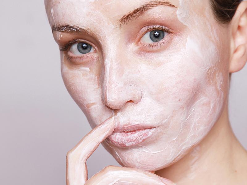 Élesztő pakolás: ránctalanít és jó a gyulladások ellen - A kozmetikus praktikái