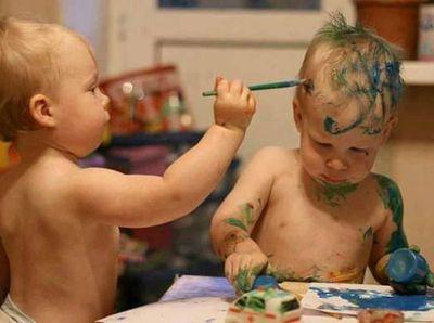 Vicces fotók - gyerekek, akiket pár percre magukra hagytak a szüleik