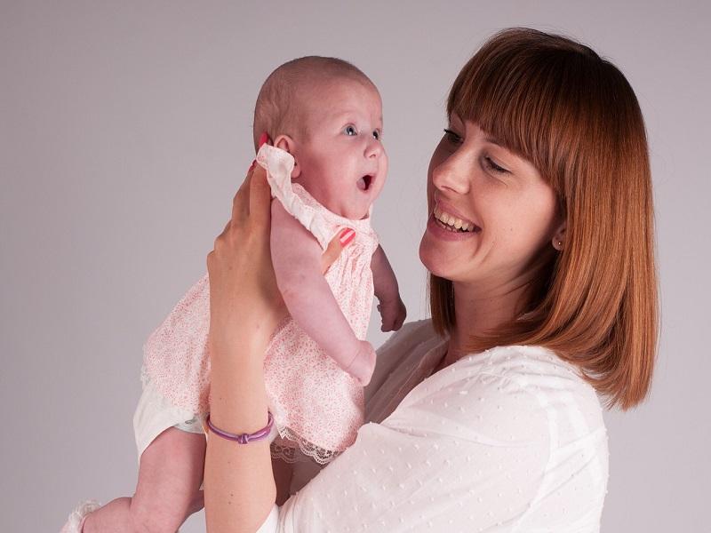 Szopiztunk, büfiztünk, piros a popsink - Miért beszélnek egyes anyák többes szám első személyben a gyerekükről?