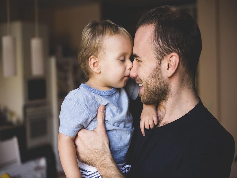 Így mutatta meg az apuka a kisgyermeknek, mi is az igazi szeretet