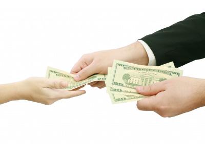 Családi csődvédelmi törvény: kire vonatkozik és hogyan segít az adósságrendezésben az állam?