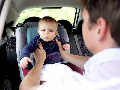 9 naponta meghal egy gyermek, mert az autóban felejtik - Egy speciális gyermekülés megakadályozhatja!