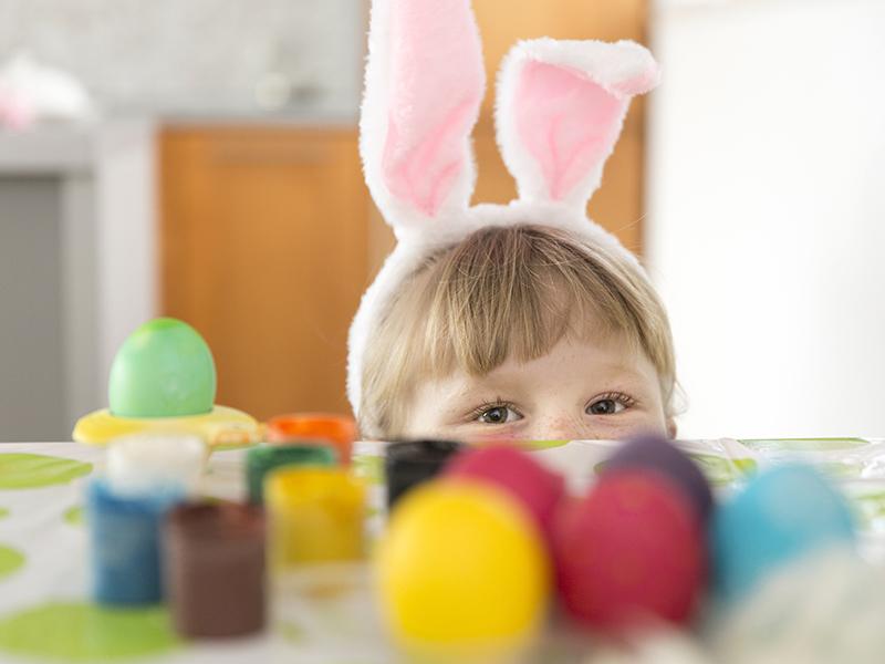 Húsvéti tojásfestés, tojásdíszítés a gyerekkel - 15 szuper ötlet a nagyi mindentudó könyvéből