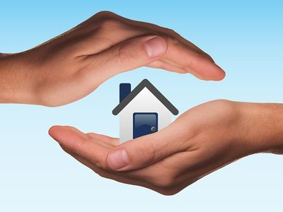 Kiskorú ingatlanszerzése, kiskorú tulajdonában lévő ingatlan eladása - Mire figyelj, ha a gyermeked nevére lakást veszel vagy ha a nevén lévő lakást el akarod adni?