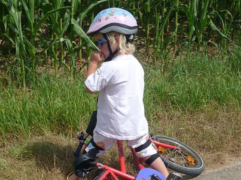 A leggyakoribb nyári sérülések, balesetek babáknál, kisgyermekeknél - Mi a legfontosabb teendőd? Mikor vidd orvoshoz a gyereket?