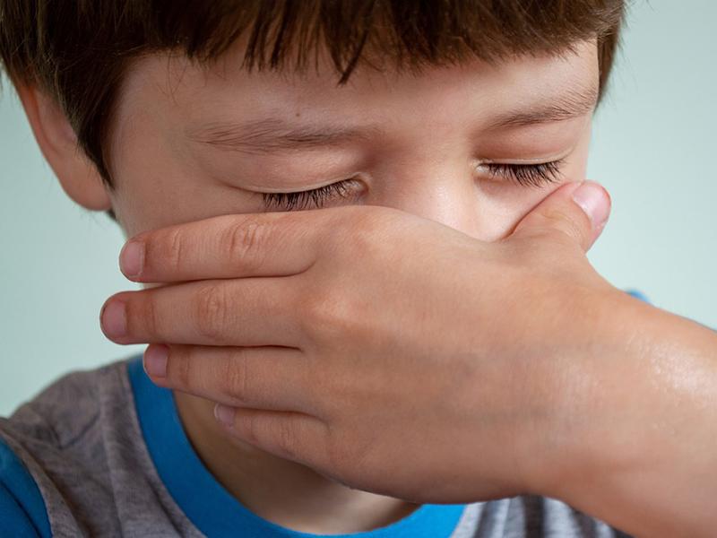 Ha az óvónő bántja, megalázza a gyermeket: mik a bántalmazás egyértelmű jelei? Milyen jogi lehetőségek léteznek óvodai visszaélések esetén?