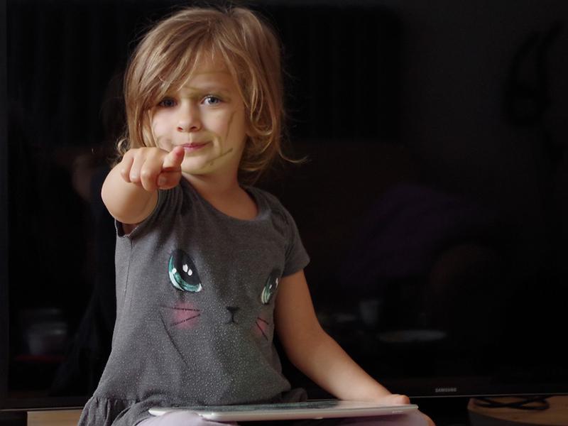 Lassan ott tartunk, hogy a gyerekek már a legalapvetőbb viselkedési normákat sem ismerik - Mit ront el a legtöbb szülő a gyereknevelésben? Interjú Jocó bácsival