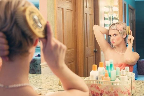 Anya vagy? Akkor felejtsd el a sminket, a manikűrt, a szép ruhákat! - Tényleg önzőség, ha egy anyuka csinos nő akar maradni?