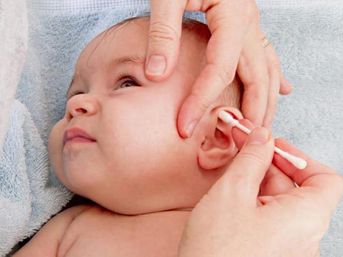 Fültisztítás babáknál, gyerekeknél, felnőtteknél: hogyan kell helyesen tisztítani a fület? Fülgyulladást is okozhat, ha rosszul csinálod!
