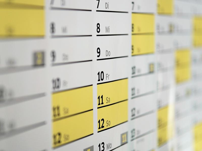 Munkaszüneti napok, iskolai szünetek, hosszú hétvégék, ledolgozós szombatok a 2017-2018-as tanévben