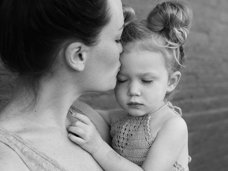 Én akkor sem csapok oda a gyermekemnek, ha rosszalkodik! - Hogyan lehet verés helyett öleléssel nevelni? Egy anyuka tapasztalata